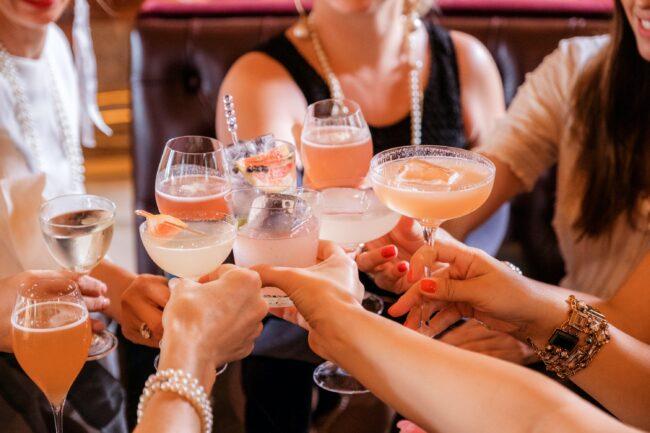Zdravica koktelima s ginom