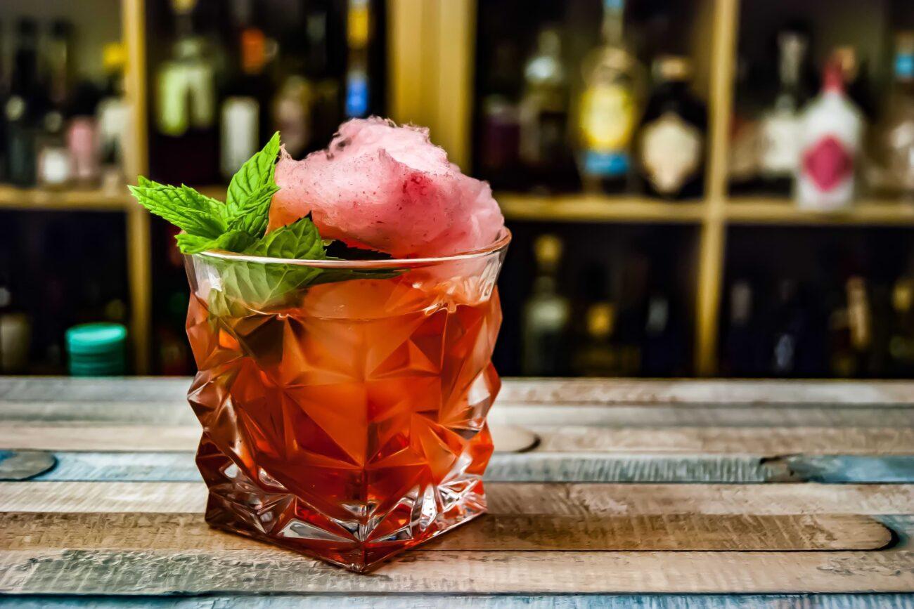 Negroni koktel s ginom