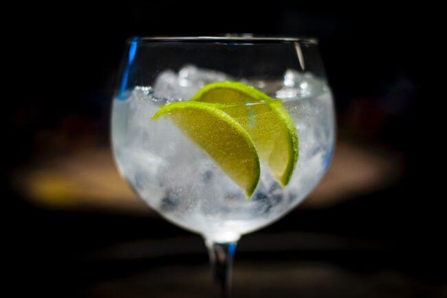 Tom Collins koktel s ginom